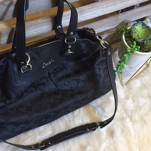 Beautiful black signature coach purse like new